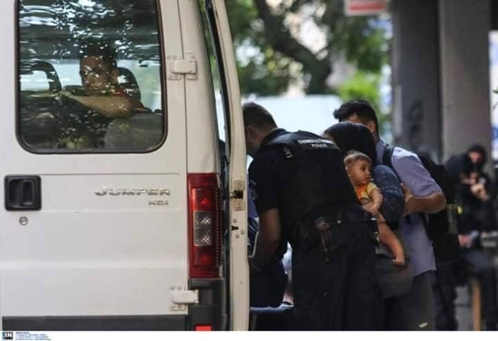 Αλληλεγγύη σε καταλήψεις και πρόσφυγες