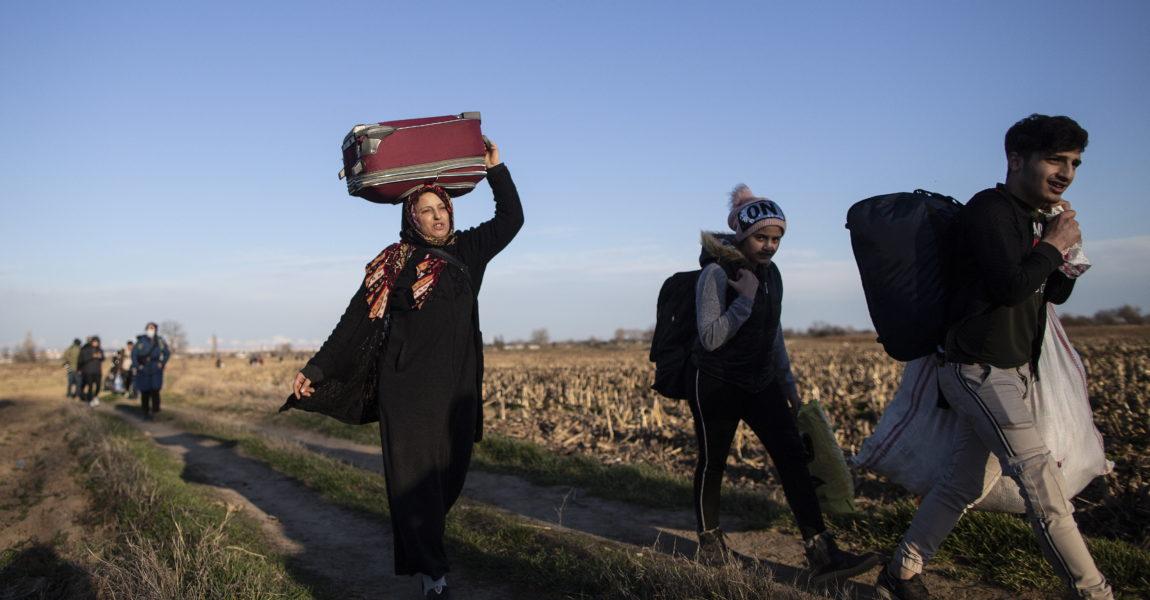 Μπλόκο στον πόλεμο και τον εθνικισμό και όχι στους πρόσφυγες