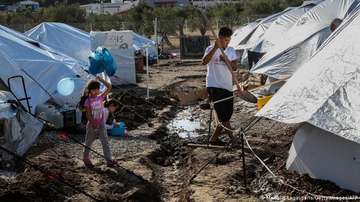 ΝΑΡ: Γιατί θέλουν χιλιάδες πρόσφυγες άστεγους ή σε σκηνές μέσα στην παγωνιά;